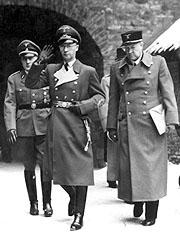 Тербовен (в центре) и Квислинг (справа)